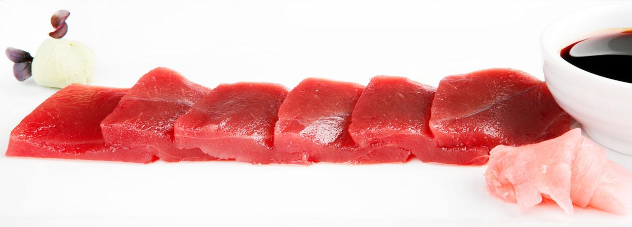 Sashimi de lomo de atún rojo en la venta pinto